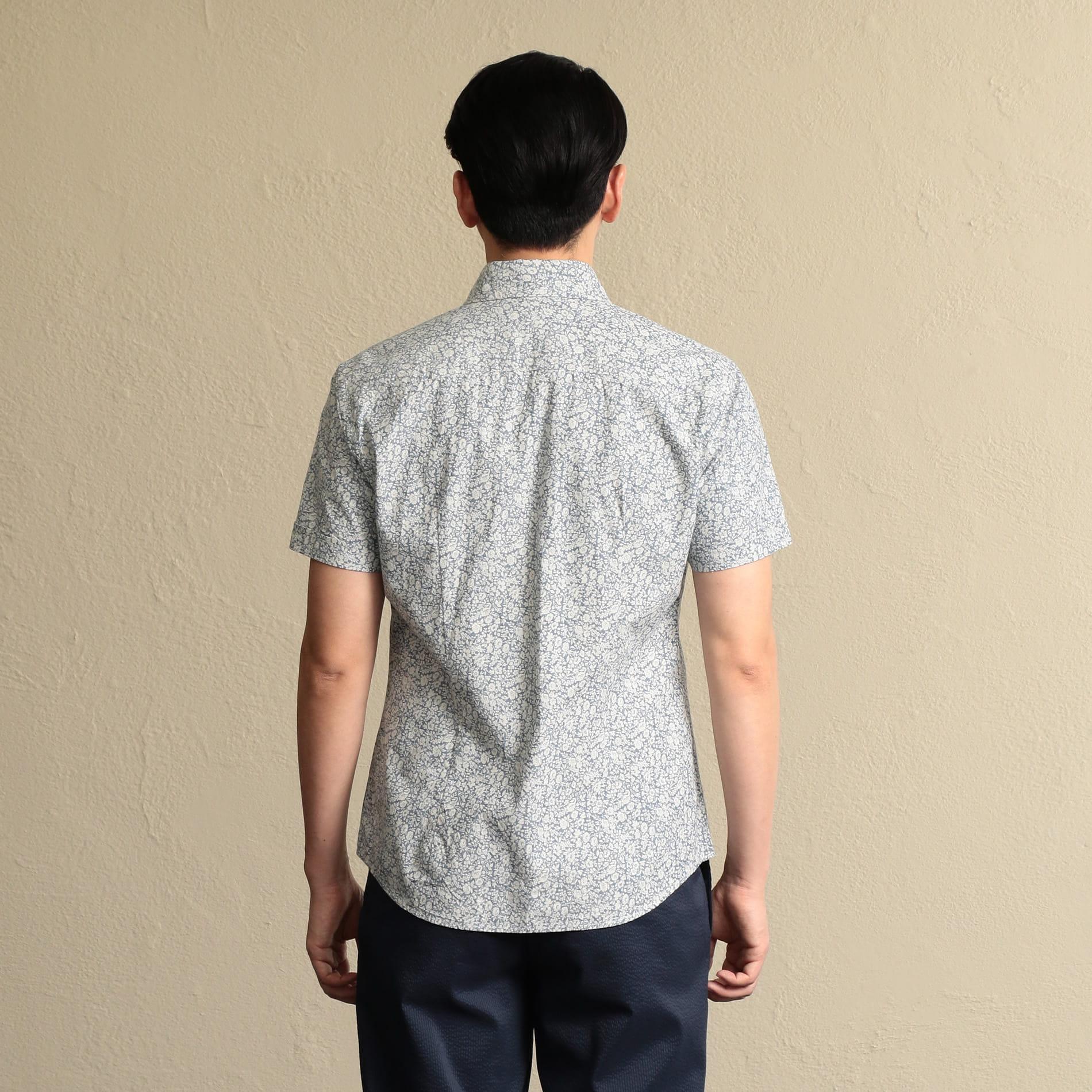 ホリゾンタルカラー 抜染プリントシャツ