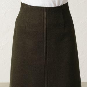トーナルカルゼウールスカート