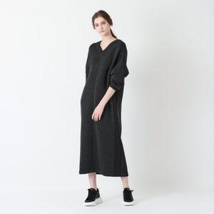 【Lu TECS】ダンボールニットIラインドレス