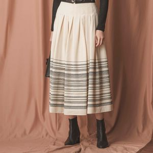 ボーダージャカードスカート