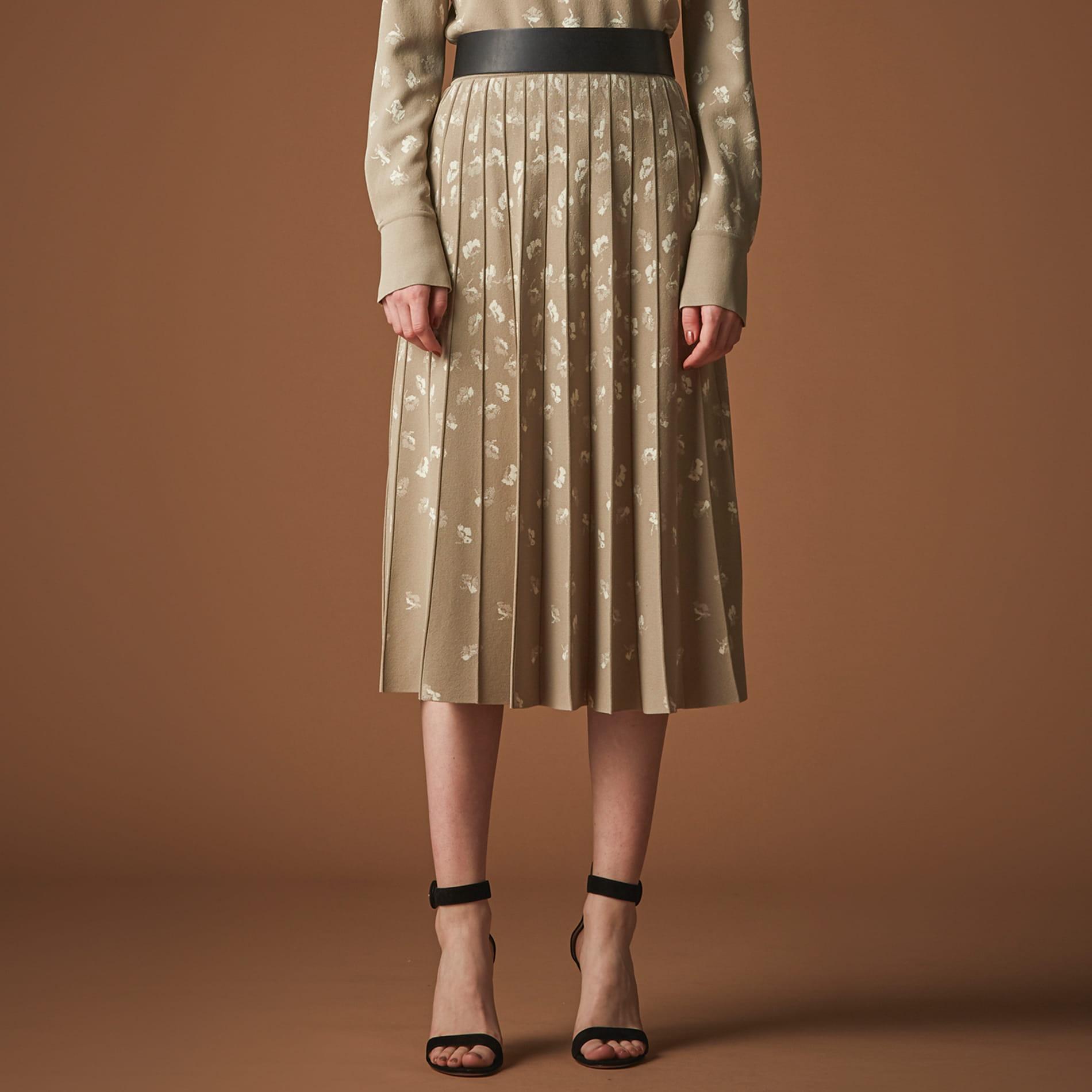 ◆◆フラワージャガードニットスカート